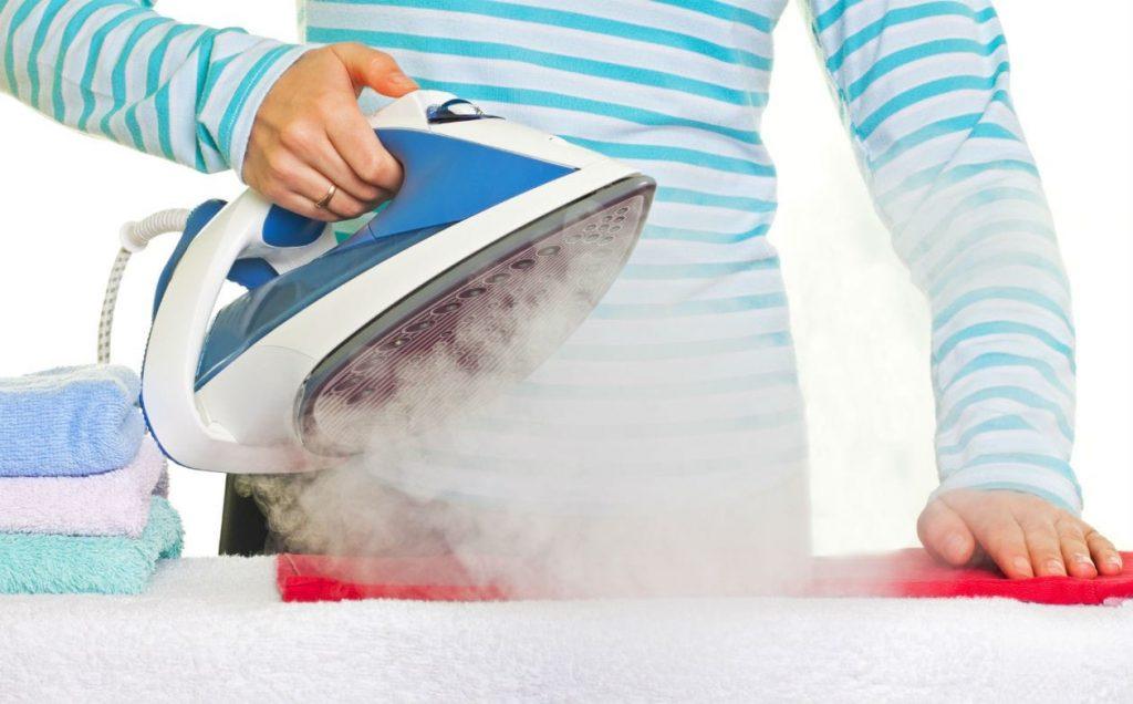 Como limpar ferro de engomar