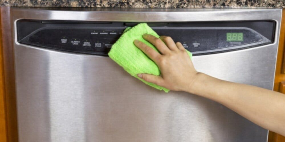 Como limpar inox sem deixar manchas 1