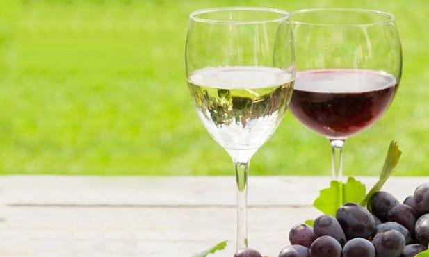 Como escolher um vinho para uma refeição 1