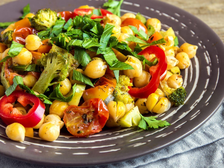 Salada de grão de bico mediterrânea 1