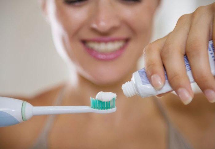 Como escolher a escova de dentes certa