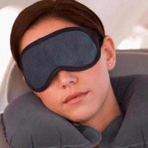 Lista de artigos essenciais para longas viagens de avião