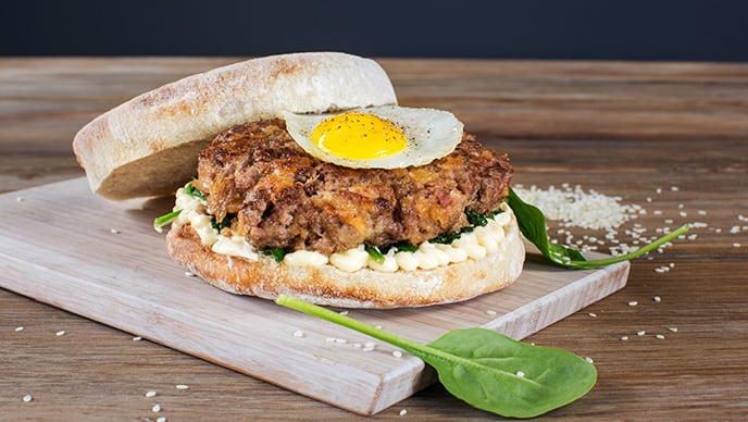 Hambúrguer caseiro de aves e alheira