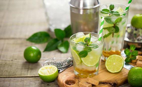 Como fazer uma caipirinha de lima/limão 1