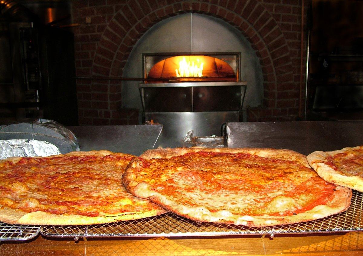 Pizza com creme fraiche e salmão fumado 1